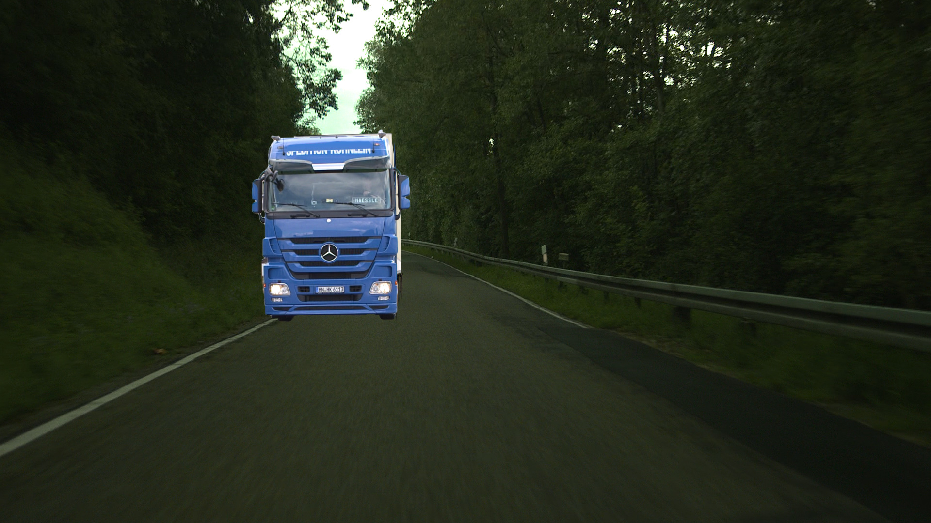 3D-Motortruck in the Background-Layer before the color-correction