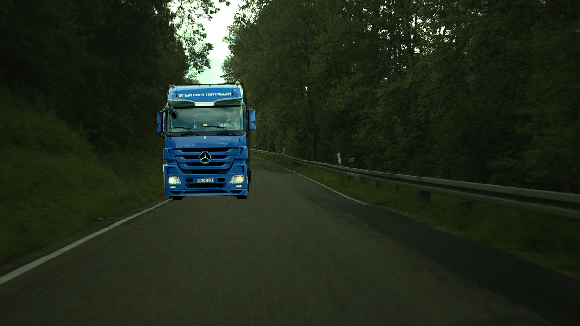 3D-Motortruck in the Background-Layer after the color-correction